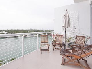 Beautiful  penthouse  apartment near beach, fabulous  view!