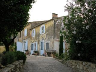 17th century Mas in Provencal village le Paradou