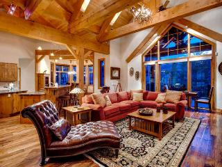 Mountain View Lodge- Hot tub, pool table, foosball, Breckenridge