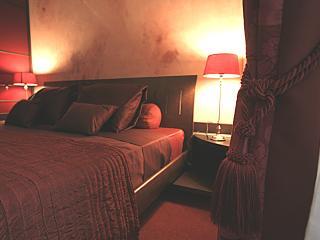 BEAUTIFUL LE MARAIS ARCHIVE - King Bed, nice view., Paris