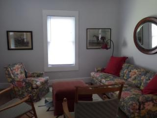 Quiet first floor apartment in Torrington