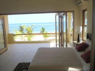 Luxury Beach Front Villa - 6 to 15 Suites Punta Cana, Uvero Alto