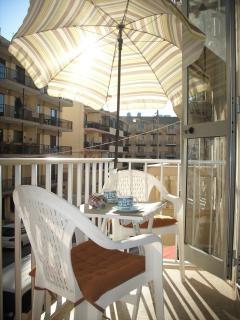 14 ft Very sunny balcony