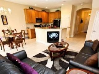 863AC. 3 Bedroom 2.5 Bath Town Home in the Upscale Reunion Resort