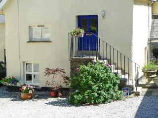 SWALLOWS, first floor apartment, double bedroom, romantic retreat, rural location, in Spreyton,Ref 16891, Devon