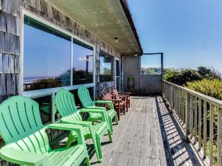Dog-friendly, oceanfront home w/ beach views and full kitchen, Waldport