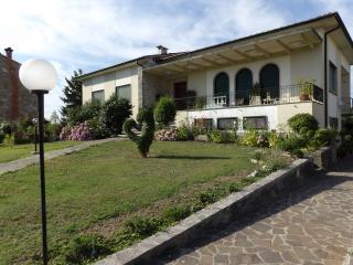 Abitazione con giardino, Capannori