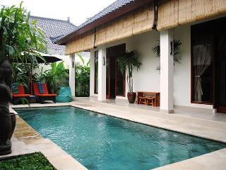Villa Santai - a private retreat in Penestanan., Ubud