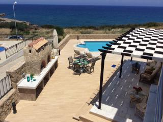 Justina Villa set in a quite area on the sea front, Ayios Amvrosios