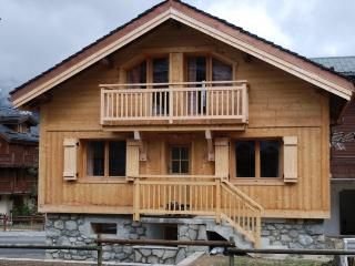 Chalet Murettes- three bedrooms central Le Praz, Courchevel