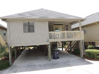 Updated Condo,family friendly Guest Cottage, sleeps 8 #GC42, Myrtle Beach
