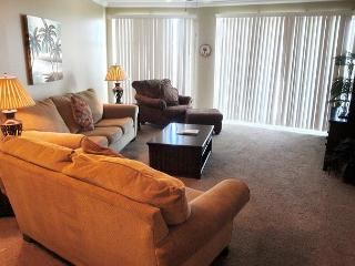 Beautiful 2-BR/2-BA Condo at Legacy Towers. King/Queen, Wifi, Gulfport