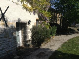 A Charming Rustic Stone French Cottage/Gite, Villefagnan