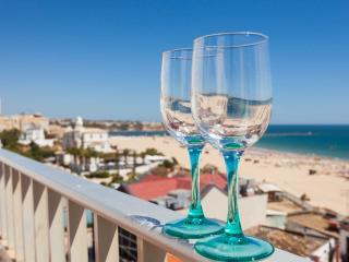 Penthouse with stunning beach view, Praia da Rocha
