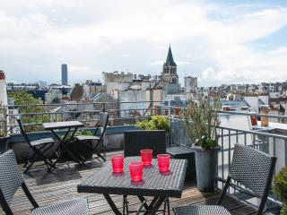 Duplex w/ roof top terrace - January special rate, Paris