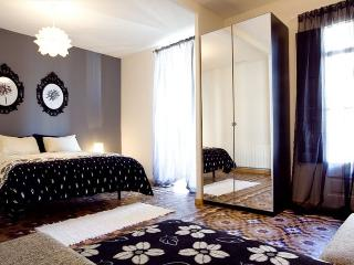 The Grande II Apartment, in the Heart of Eixample, Barcelona