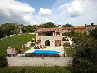Beautiful authentic Istrian villa Domus Lauri