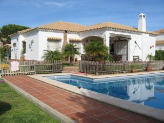 Villa de 5 dormitorios con piscina privada, wifi, BBQ  y playas a menos de 200m
