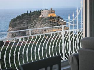 Luxury apartment with amazing sea view in Tropea