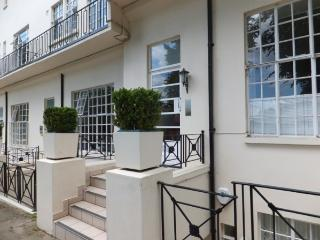 Elegant London Vacation Rental at Regents Park