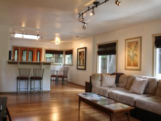 Modern Comfort by Russian River - Upper Suite, Guerneville