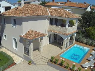 Villa KRK : house pool, 150 m from sea, sea view