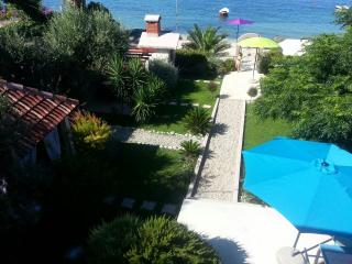 ♡Beach & garden exclusive  Villa near Split♡