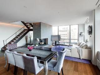 Stunning Chelsea Penthouse 3 Bed + Outdoor Terrace