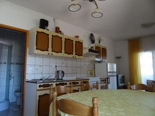 APARTMENT A4 CLOSE TO THE BEACH, Pag