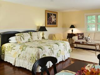 The Garden House Suite :: Extended Stay Luxury, Lincolnville