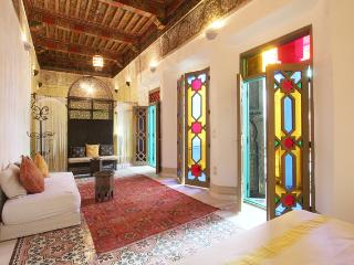Riad LakLak Private Rental - 7 Bedrooms - max 16 persons - perfect for birthday, Marrakech