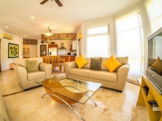 Great Floor plan and lush, private Terrace, Playa del Carmen
