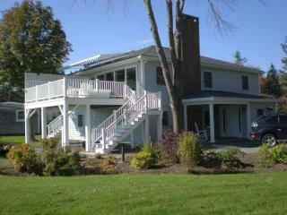 FROSTY GLENN | SOUTHPORT MAINE | OCEAN FRONT | SLEEPS 6, Boothbay