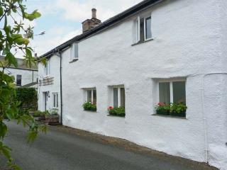 BECKFOLD COTTAGE, semi-detached, woodburner, parking, garden, near Ulverston, Re