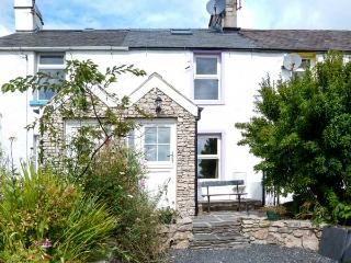 LAVENDER COTTAGE, beams, stone-flagged floors, WiFi, enclosed garden, Ref 30214, Ulverston