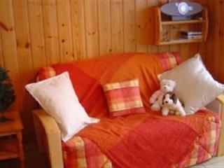 Lounge area and sofa bed at Studio Doina