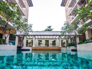Chiang Mai 2 Bed Luxury Condo - City - Twin Peaks