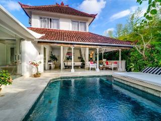 White Modern Villa in Drupadi Seminyak