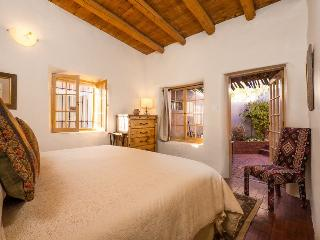 Two Casitas - Reposada - Old World Charm! Walk everywhere!, Santa Fe
