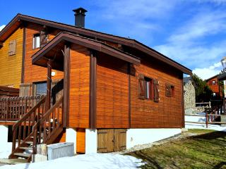 Splendid wooden house in Eyne ski resort