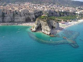 Holidays in Tropea, Gasponi