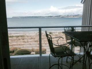 Semiahmoo C-8 View 3 Bedroom 3 Bath Villa, Blaine