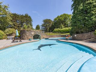 The Lawns beautiful south facing luxury apartment set within 28 acres of grounds