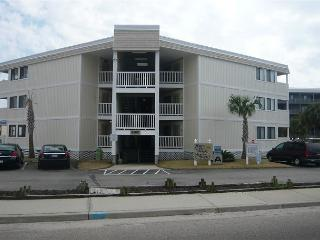 Comfortable & Convenient Ocean Side 2Bed/2Bath APATB V #102, Myrtle Beach, SC