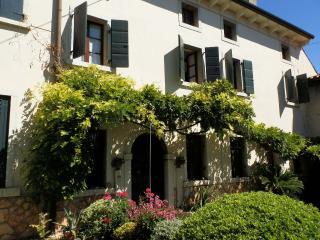 Casa del Glicine, Verona