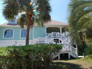 Cute as a Button! Ocean View, 4bd, 4ba w/Pool!!, Isle of Palms