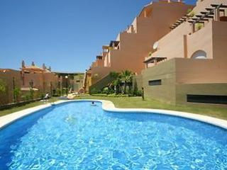 Lovely Apartment With a View in Calahonda Spain, Sitio de Calahonda