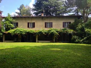 Villa rental with swimming pool in Bologna