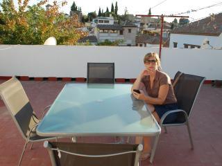 Apartamento terraza cerca Mirador San Nicolas WIFI