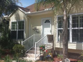 Sunny Florida 2BR just North of St Augustine!, Green Cove Springs